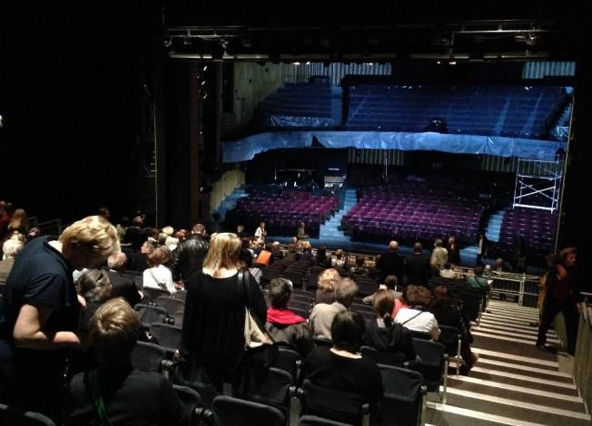Die Bühne als Zuschauerraum - und umgekehrt. So will es Christoph Marthaler an der Staatsoper.